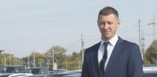 Руководитель площадки автомобилей с пробегом «Восток-Моторс» — Сергей Плиш рассказывает о преимуществах официальной компании и о рисках, которые могут ждать на стоянках подержанных авто без имени и репутации.
